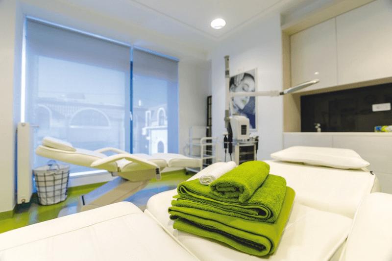 Clinica dermacare ofera tratamente prin impachetari corporale sau tratament anticelulitic
