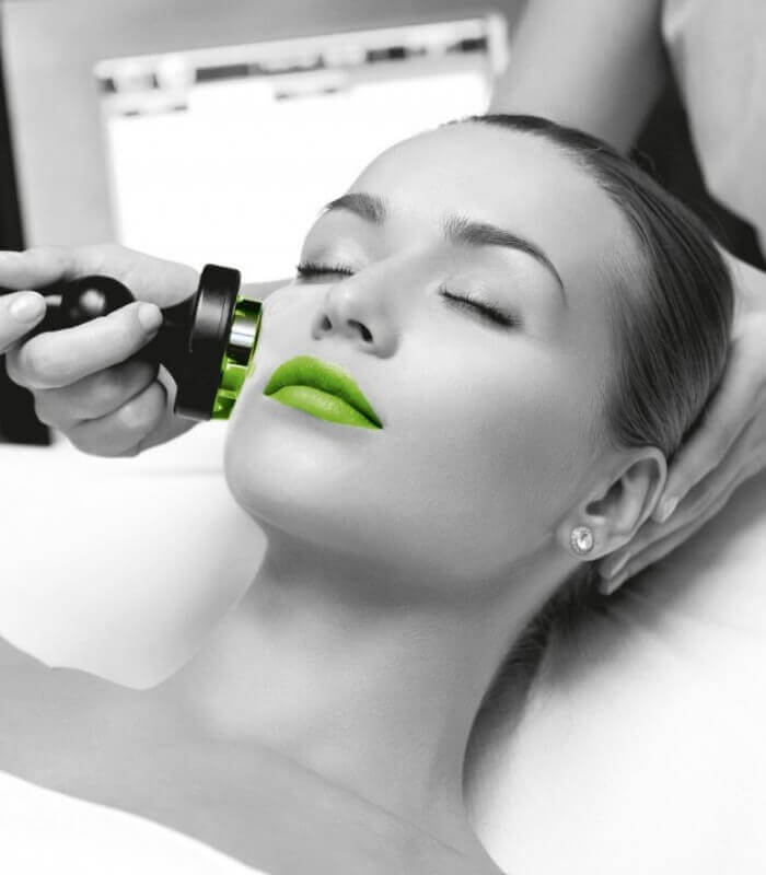 Clinica dermacare iti ofera tratamente faciale non-invazive cu produse de inalta calitate.